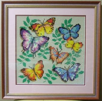 Мозаика из кристаллов. Рама, стекло, двойной паспарту, картон.